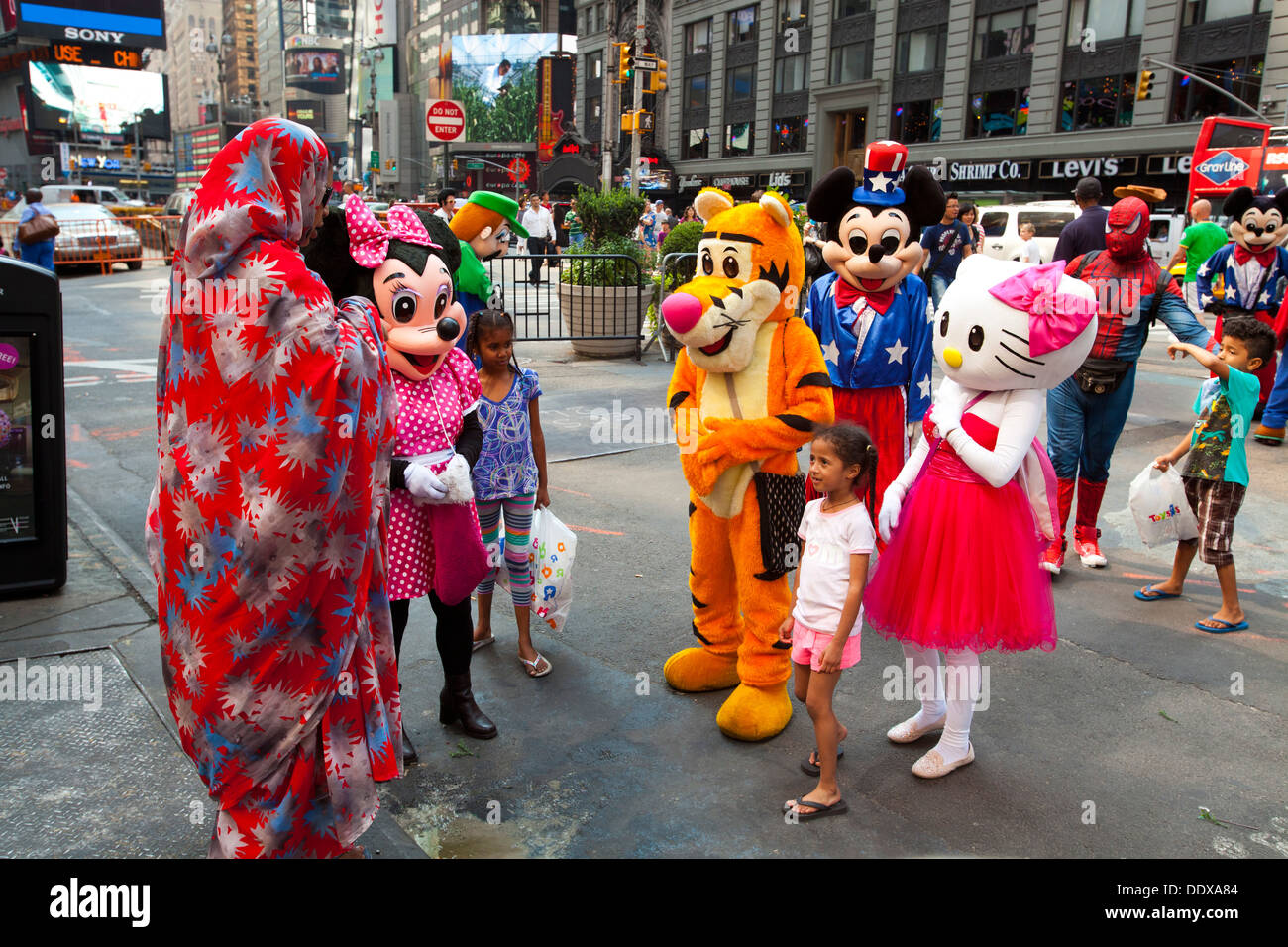 cartoon characters times square manhattan new york united states
