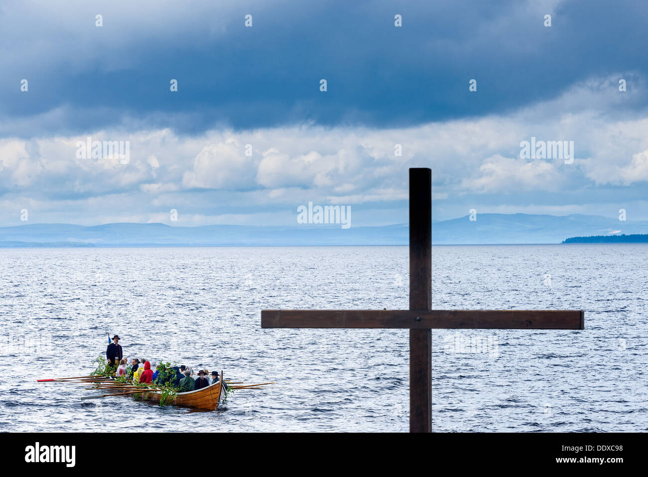 Rowing boat and cross, Rättvik, Dalarna, Sweden - Stock Image