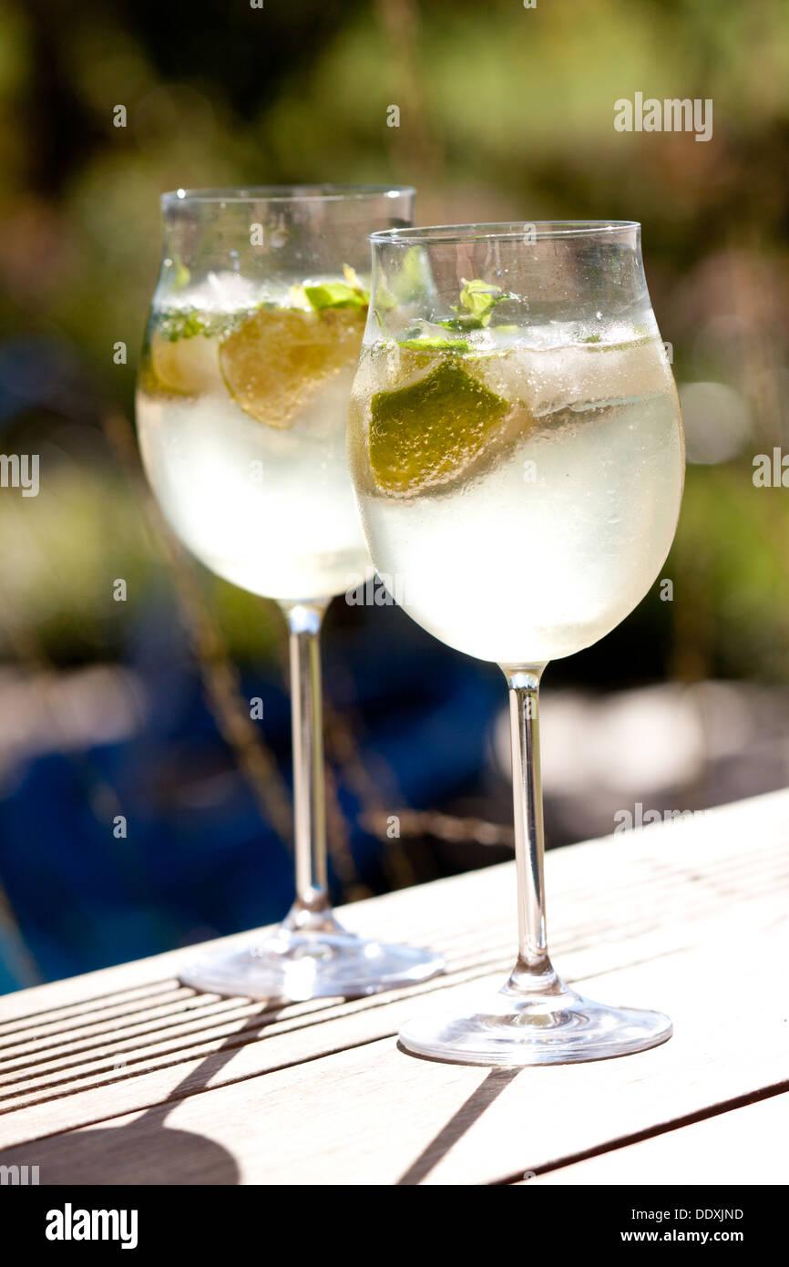 hugo prosecco elderflower soda ice summer drink outdoor aperitif Stock Photo