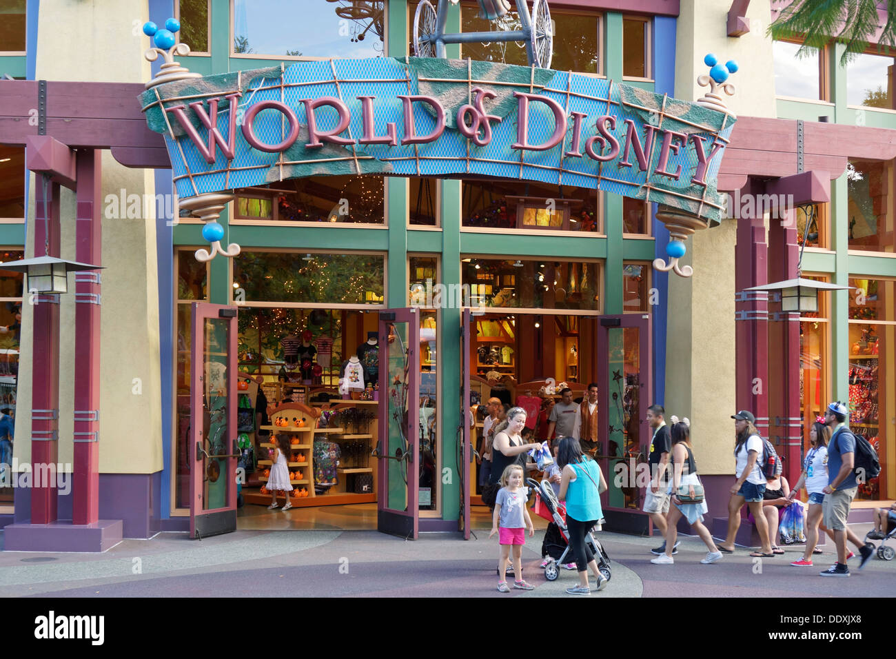 Anaheim Stores and Shopping. Besides the stores and shop within the Disneyland resort, there are several options around Anaheim where you can pick up a few things for your vacation without paying the in-park premium prices.