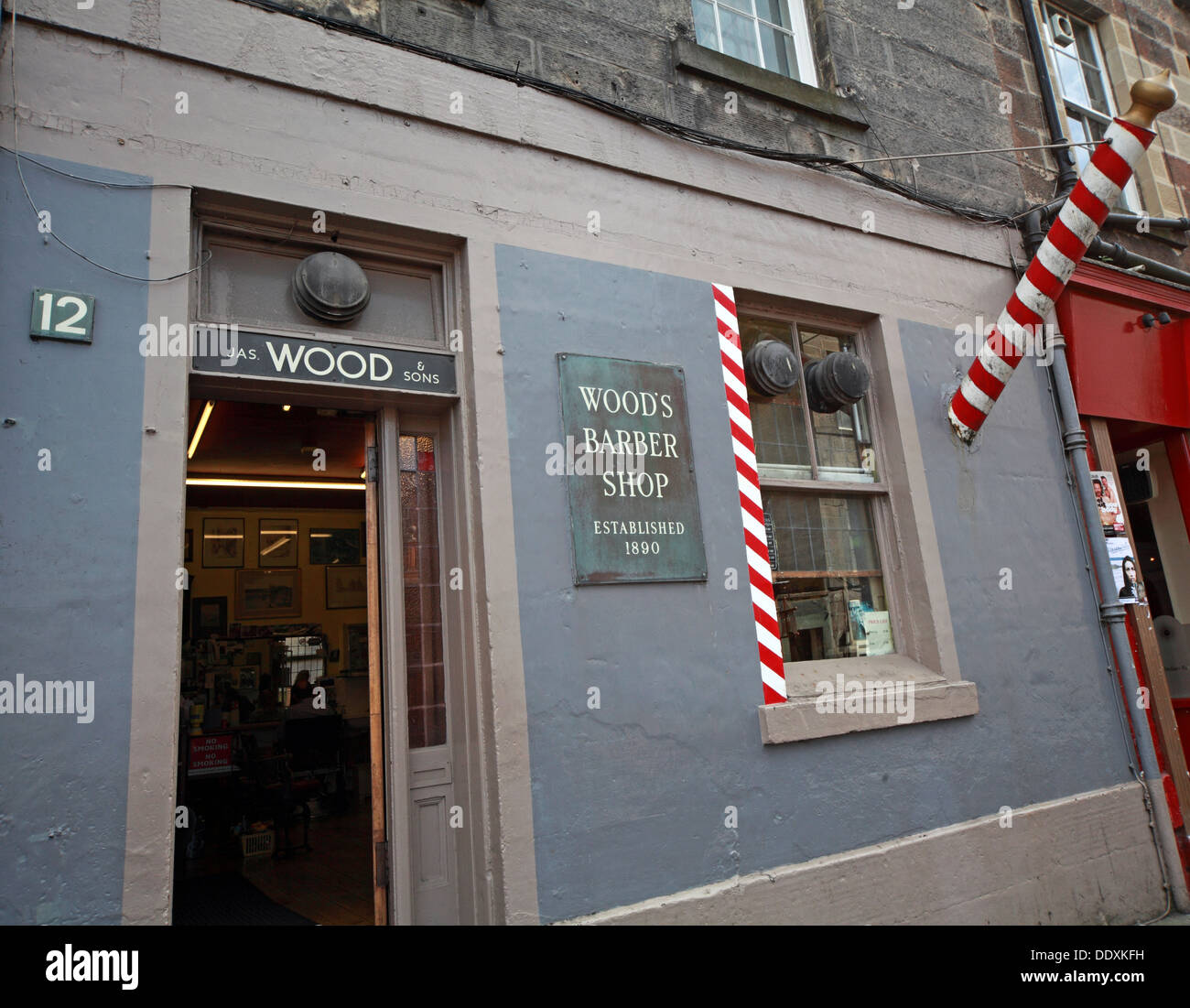 Traditional barbers, Woods Barber Shop, 12 Drummond St, Edinburgh EH8 9TU - Stock Image