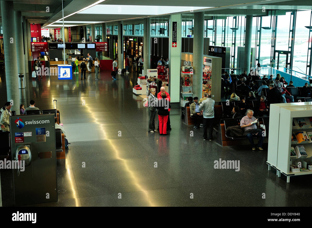 Departure hall of the E Gates at Zurich Airport - Stock Image