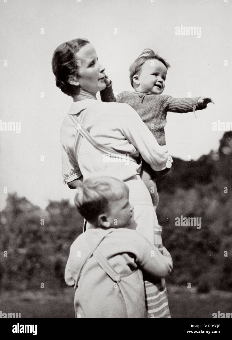 'A Happy Mother, a National Socialist Ideal', Germany, 1936. Artist: Unknown - Stock Image