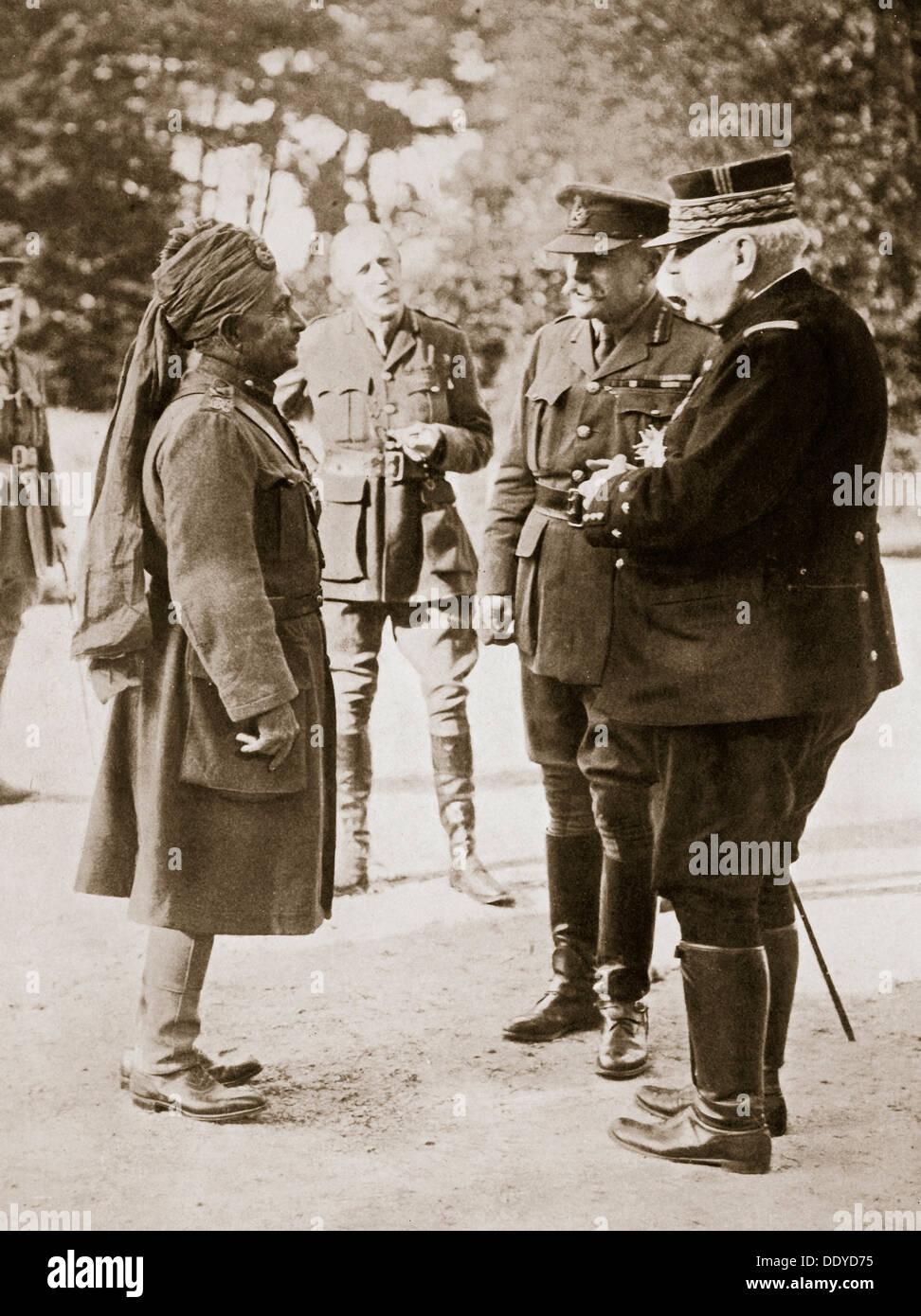 General Sir Douglas Haig introducing General Joffre to Lieutenant-General Sir Pertab Singh, 1916. Artist: Unknown - Stock Image
