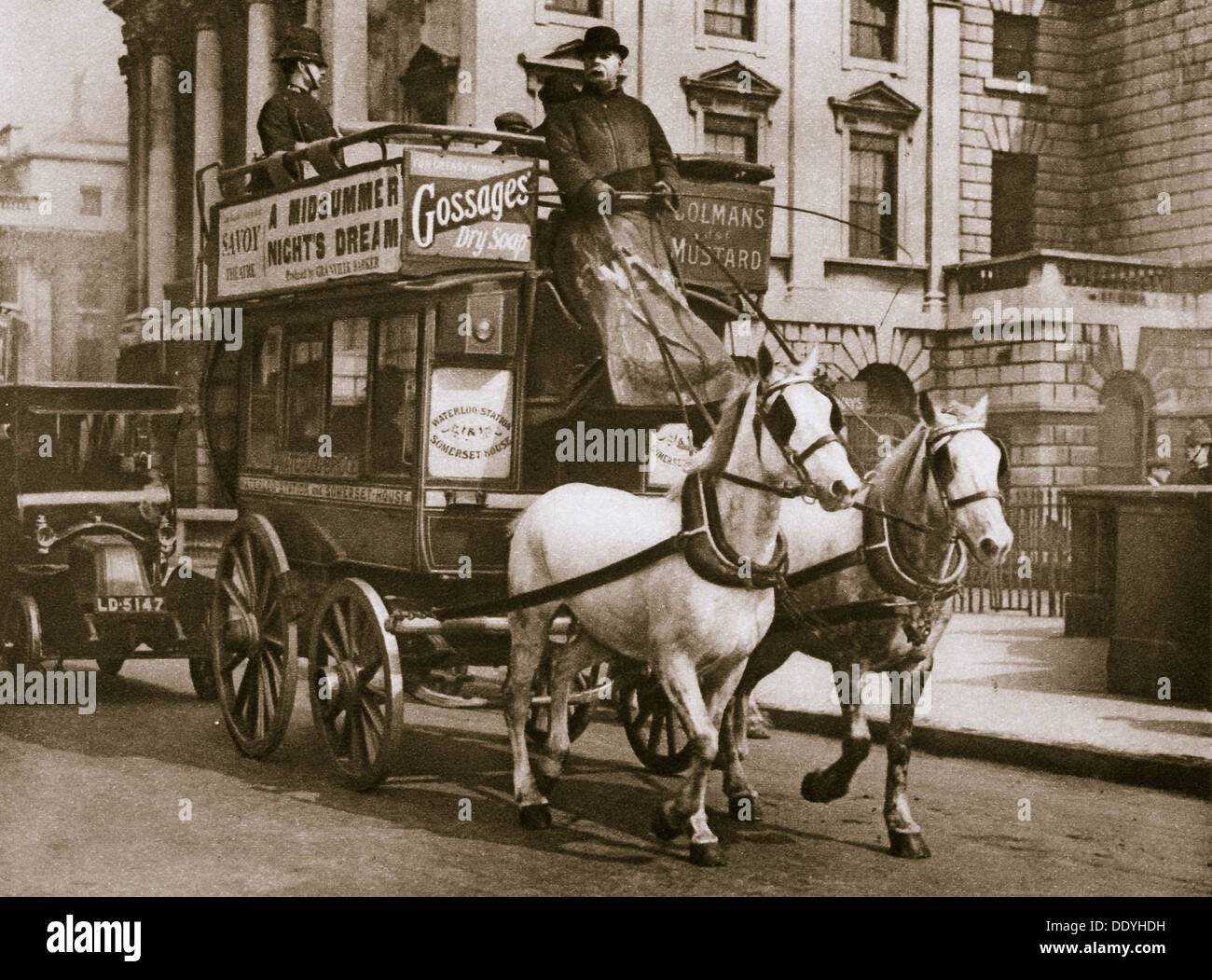 London omnibus, early 20th century. Artist: Unknown - Stock Image