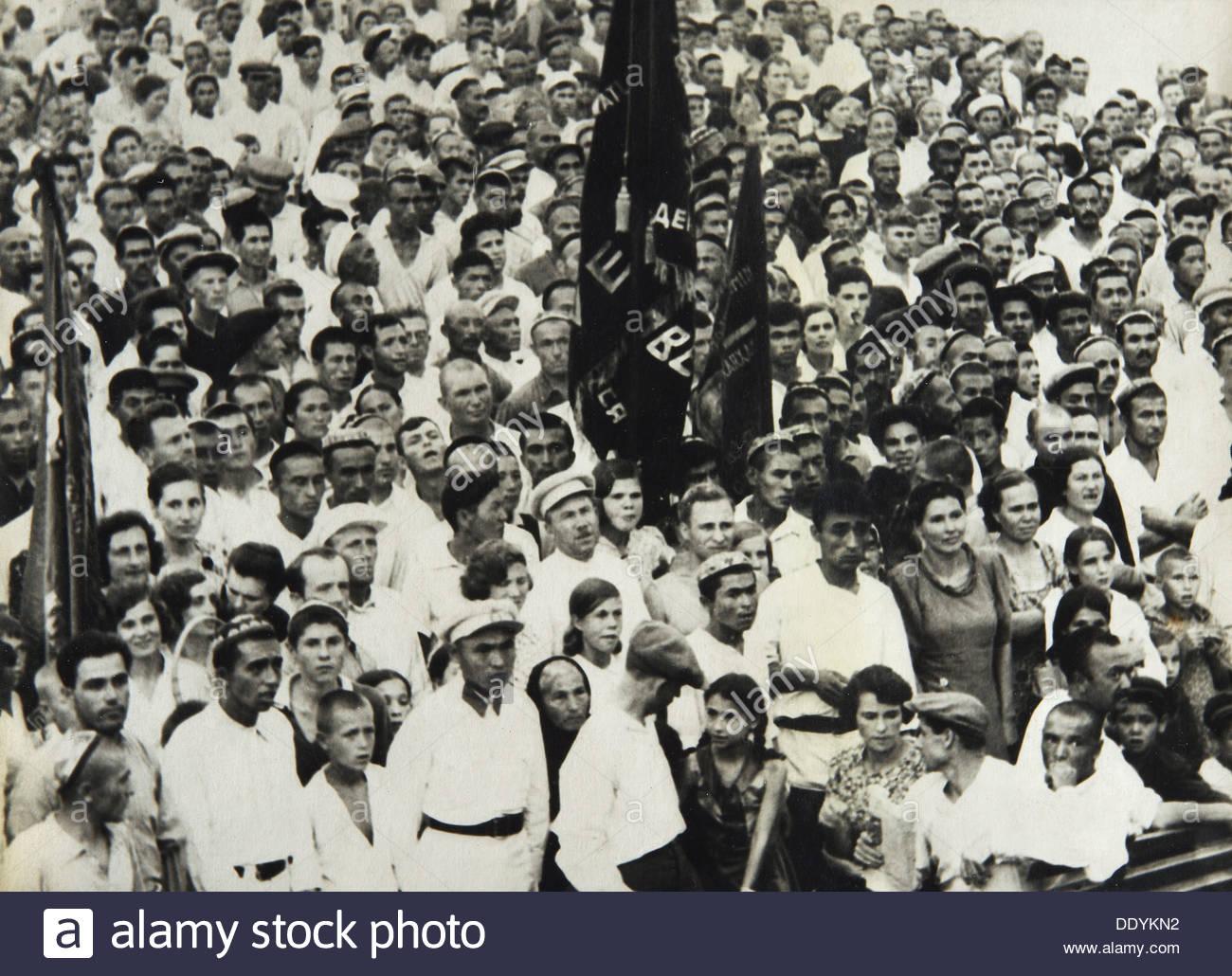 Festival in Soviet Central Asia, 1930s. - Stock Image