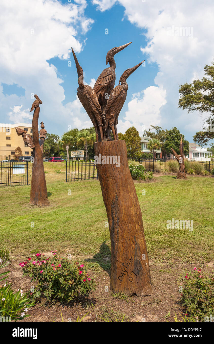 Sculptures of wildlife by Dayton Scoggins carved from tree trunks damaged by Hurricane Katrina on the Mississippi Gulf Croast - Stock Image