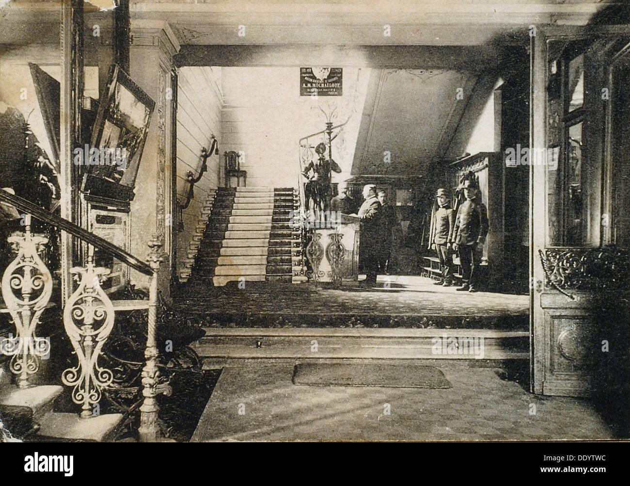Interior of the Hotel Slavianski Bazaar, Moscow, Russia, early 20th century. - Stock Image