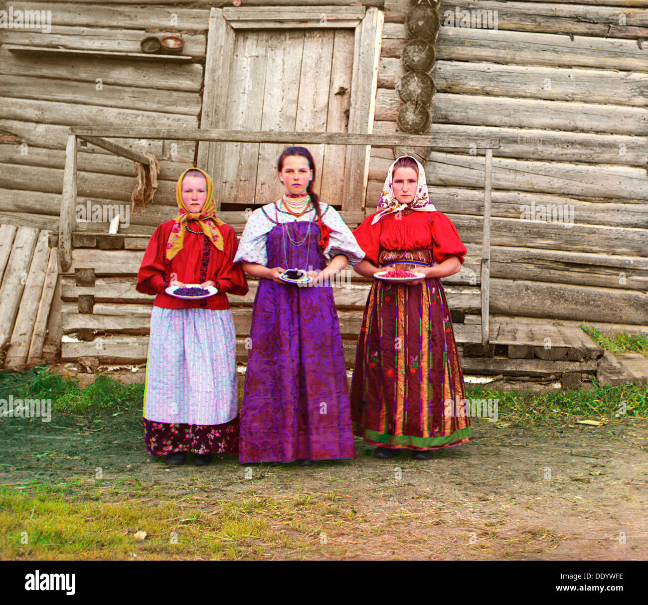 Young Russian peasant women, Sheksna River, near the small town of Kirillov, Russia, 1909. Artist: Sergey Mikhaylovich Prokudin- - Stock Image