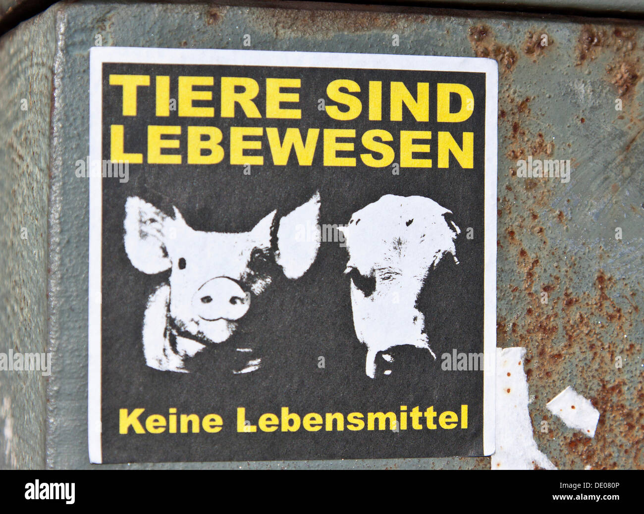 Sticker 'Tiere sind Lebewesen - Keine Lebensmittel', German for 'animals are living beings not food', Berlin - Stock Image