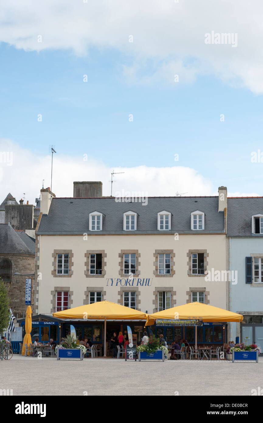A cafe near the harbour at Ty Port Rhu Douarnenez Brittany France - Stock Image