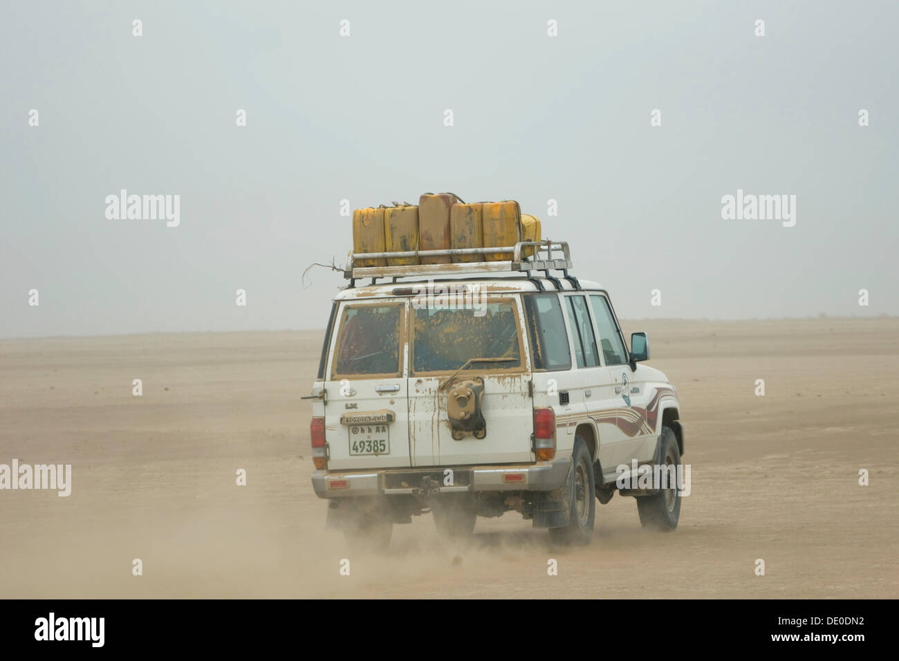 Travel in an off-road vehicle in the Danakil Depression between Afdera and Ertale - Stock Image