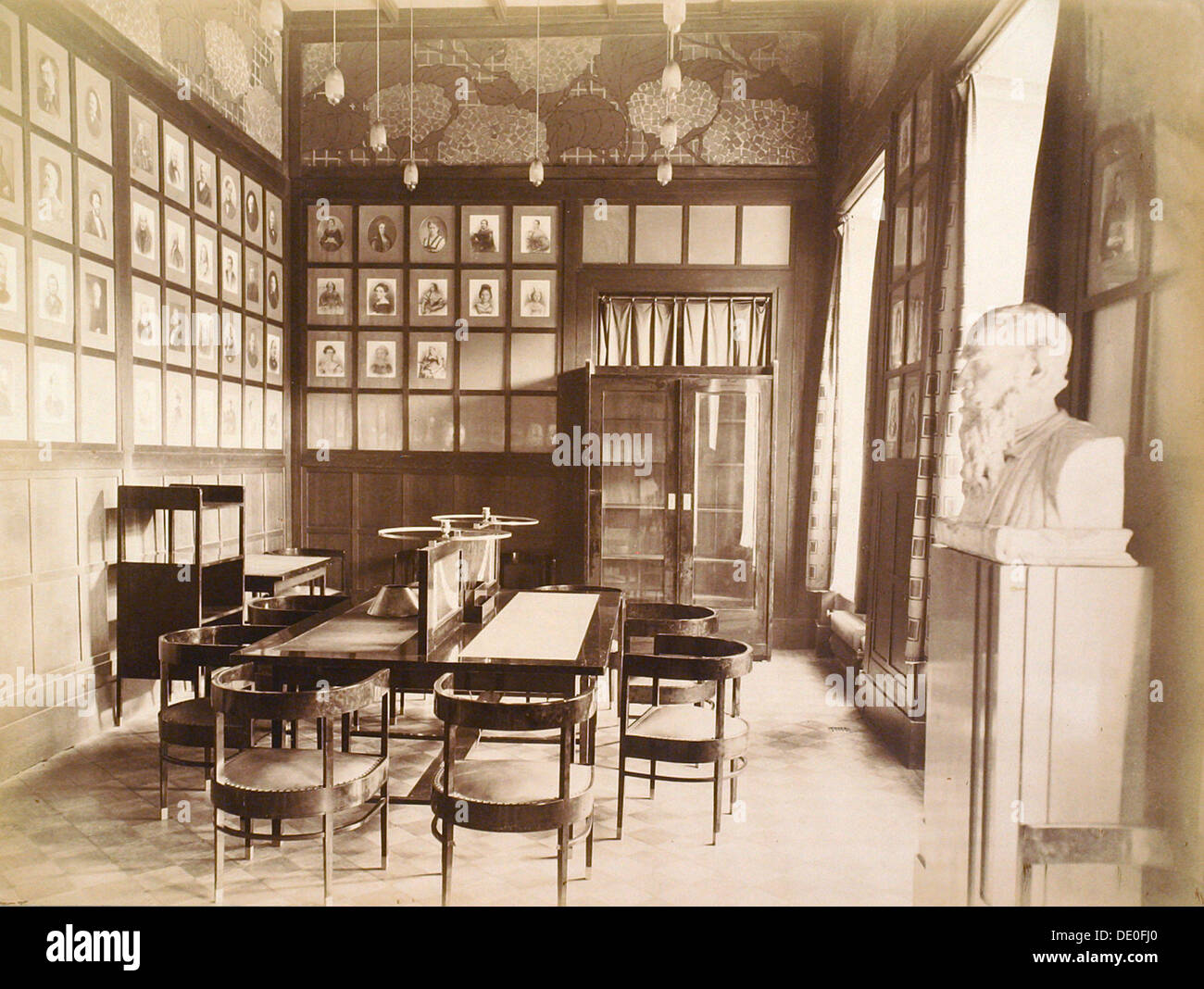 Literature room, House of the Association of Literature and Arts, Russia, 1900s. - Stock Image
