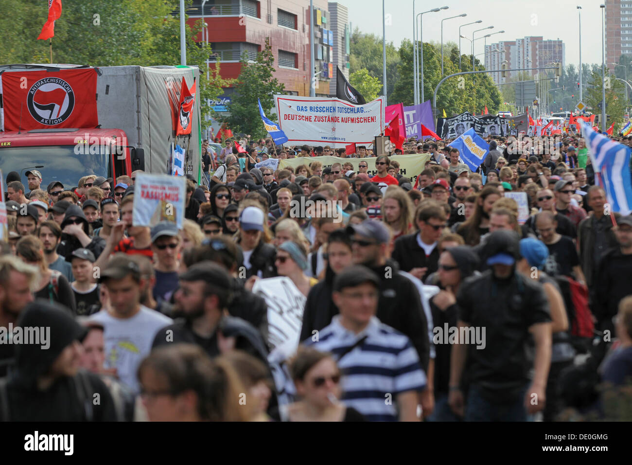 Thousands of people protesting against racism, 20 years after the massive right-wing riots in Rostock-Lichtenhagen - Stock Image