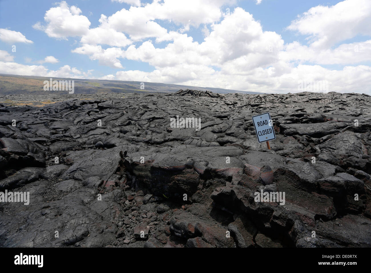 Sign 'road closed', lava field in the East Rift Zone, Kilauea volcano, Big Island, Hawaii, USA - Stock Image