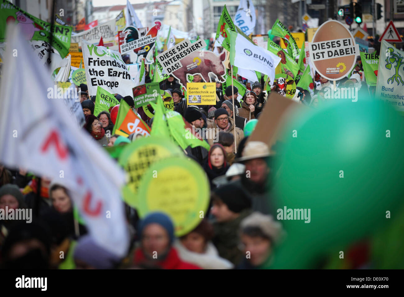 Environmentalists, farmers and consumers protesting with the slogan 'We're fed up! For a different agricultural policy', - Stock Image