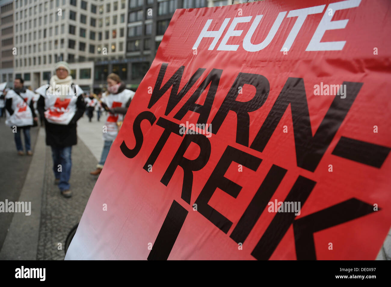 Warning strike in the public service sector, Berlin teachers striking for better working conditions - Stock Image