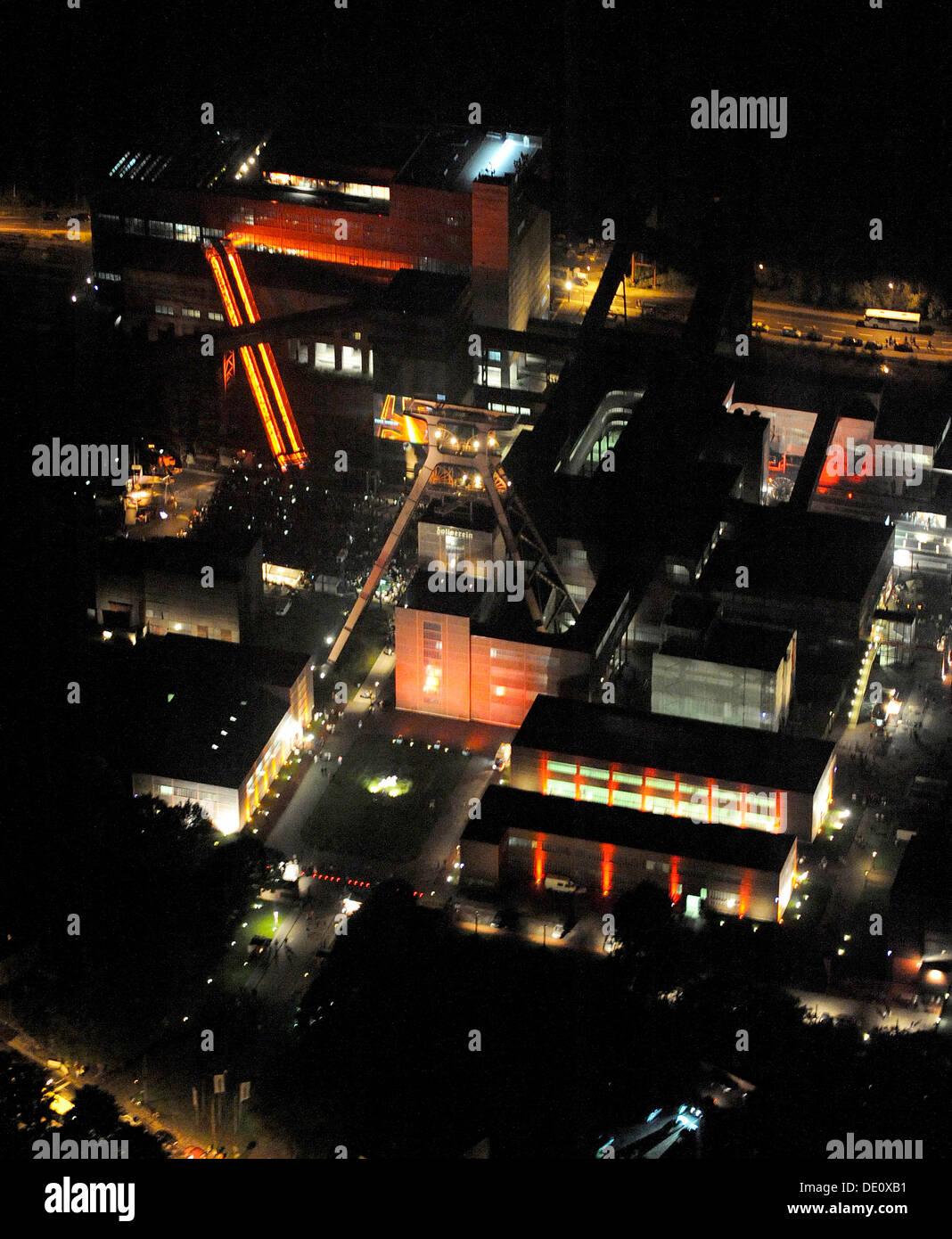 Aerial photo, Zollverein Coal Mine Industrial Complex at night, Stoppenberg, Essen, Ruhr Extraschicht 2009 night flight - Stock Image