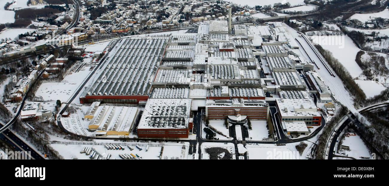 Aerial view, snow, inner-city highway, Zafirawerk plant, Astrawerk factory, Opel GM General Motors Werk I plant, Bochum - Stock Image