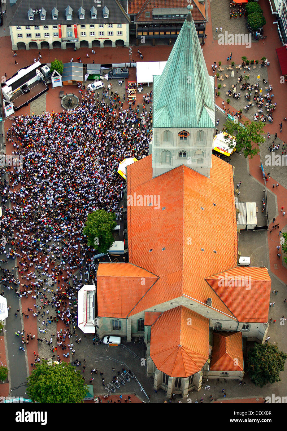 Aerial picture, public screening, Football World Cup 2010, the match Germany vs Australia 4-0 being shown in front of St. Paul's - Stock Image