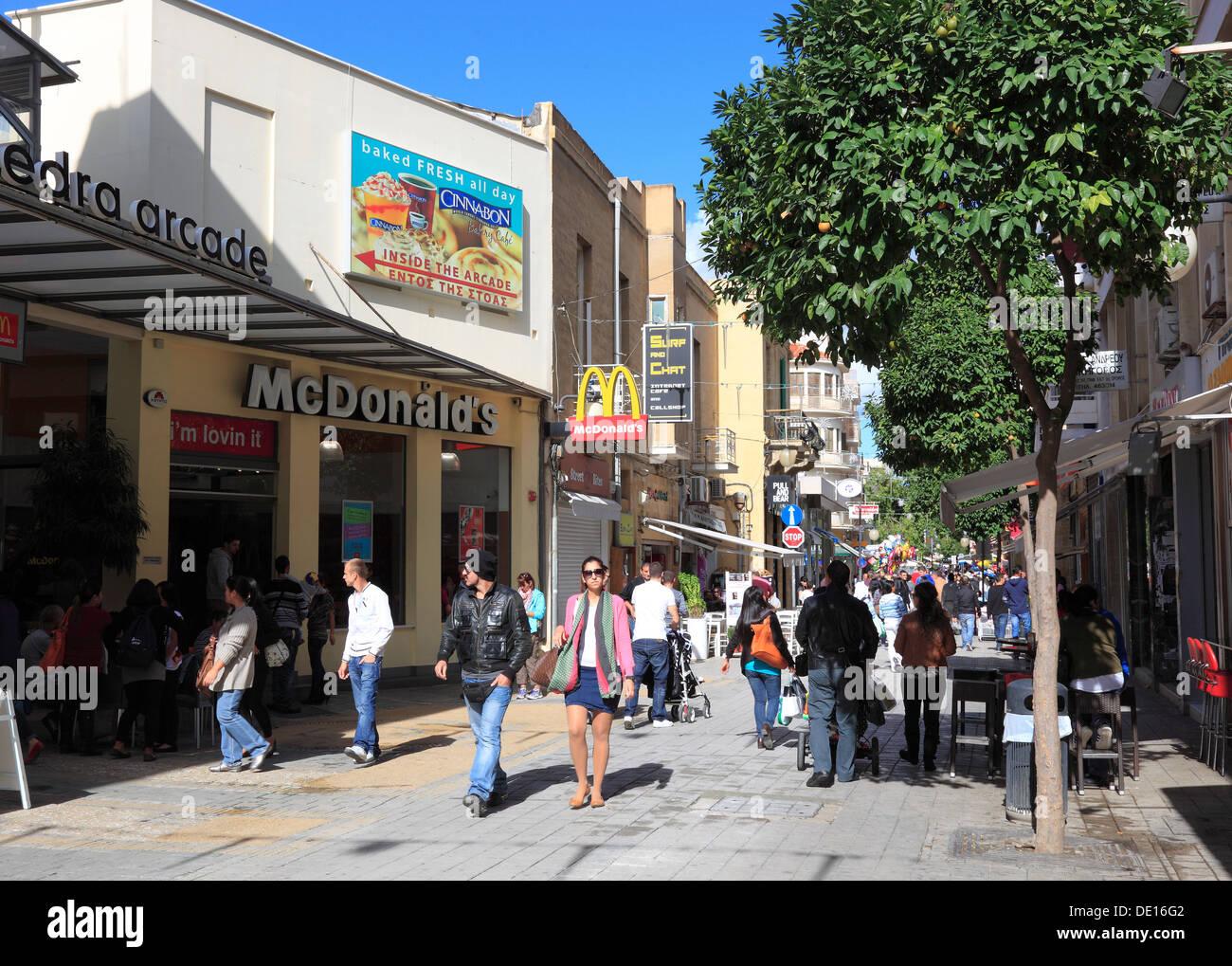 Cyprus, Nicosia, Lefkosia, old town, pedestrian shopping street, Ledras Street - Stock Image