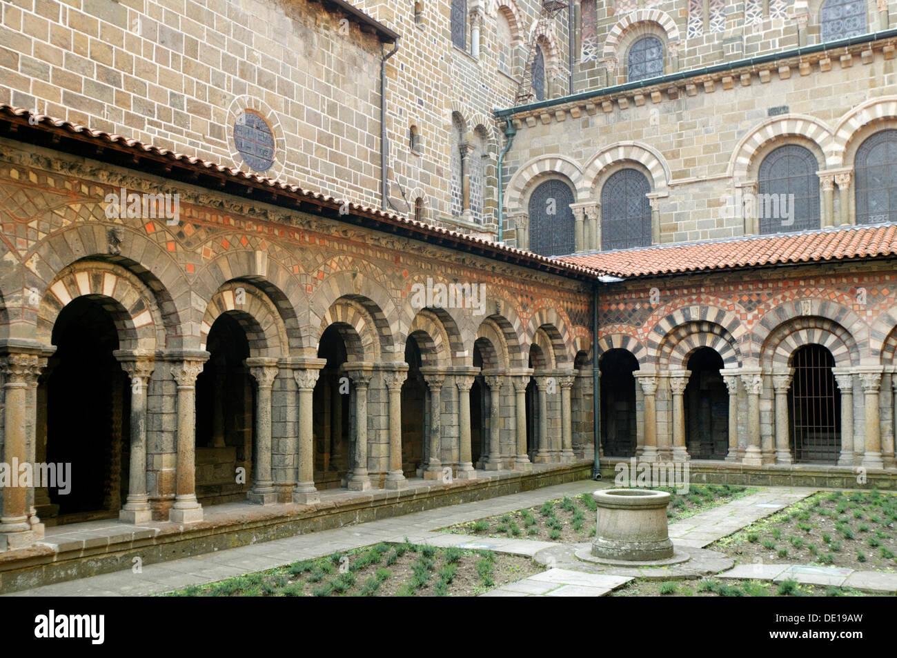Cloister of cathedral Notre Dame, Le Puy en Velay, departure of Saint Jacques de Compostelle way, Haute Loire, Auvergne, Stock Photo