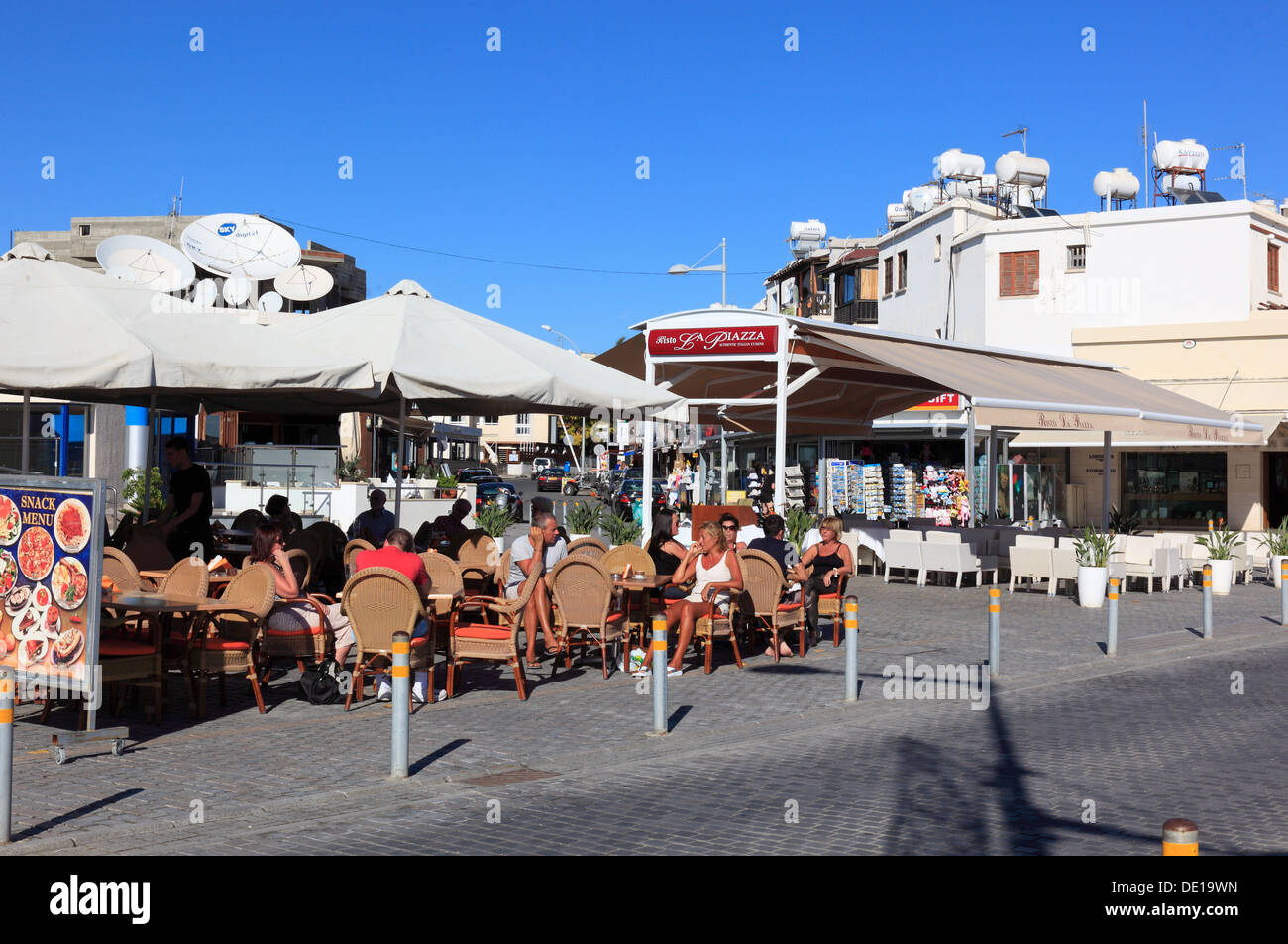 Cyprus, Pafos town, Gazibaf, Restaurants and cafes on the promenade - Stock Image