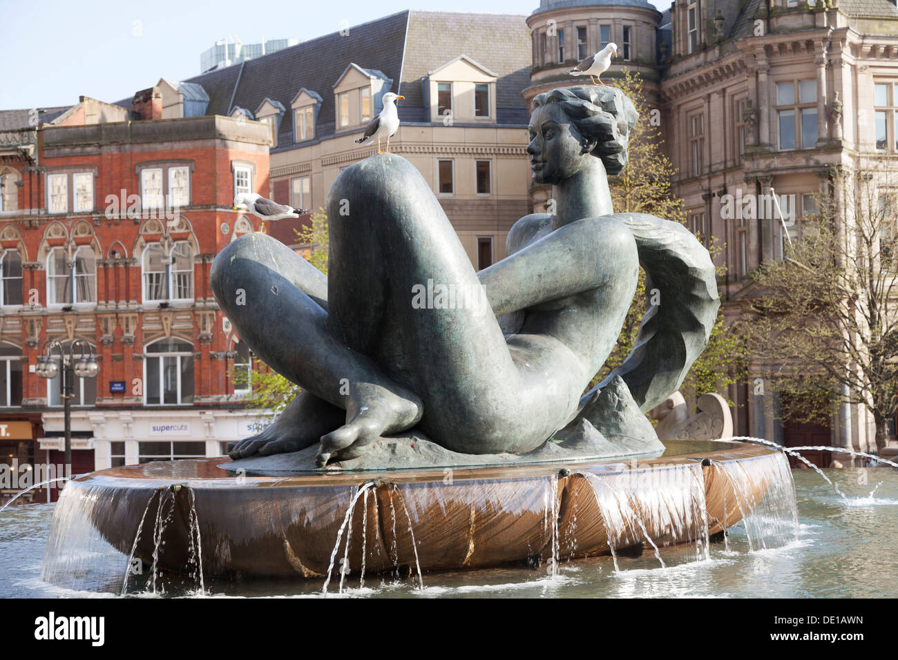 UK, Birmingham, 'The River' Artwork also nicknamed locally as the 'Floozie In The Jacuzzi' by Dhruva Mistry, Victoria Square. - Stock Image