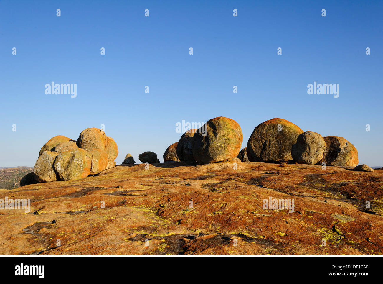 geography / travel, Zimbabwe, Matobo National Park, World's View, burial place of Cecil John Rhodes, the Matobo national park is the oldest national park of Zimbabwe, Balanced Rocks, Additional-Rights-Clearance-Info-Not-Available - Stock Image