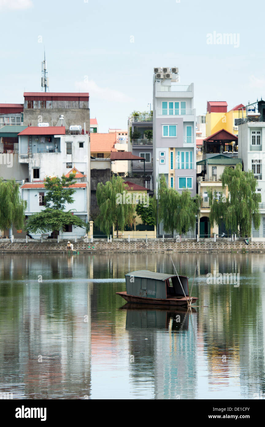House at the Truc Bach Lake side, Hanoi, Vietnam - Stock Image