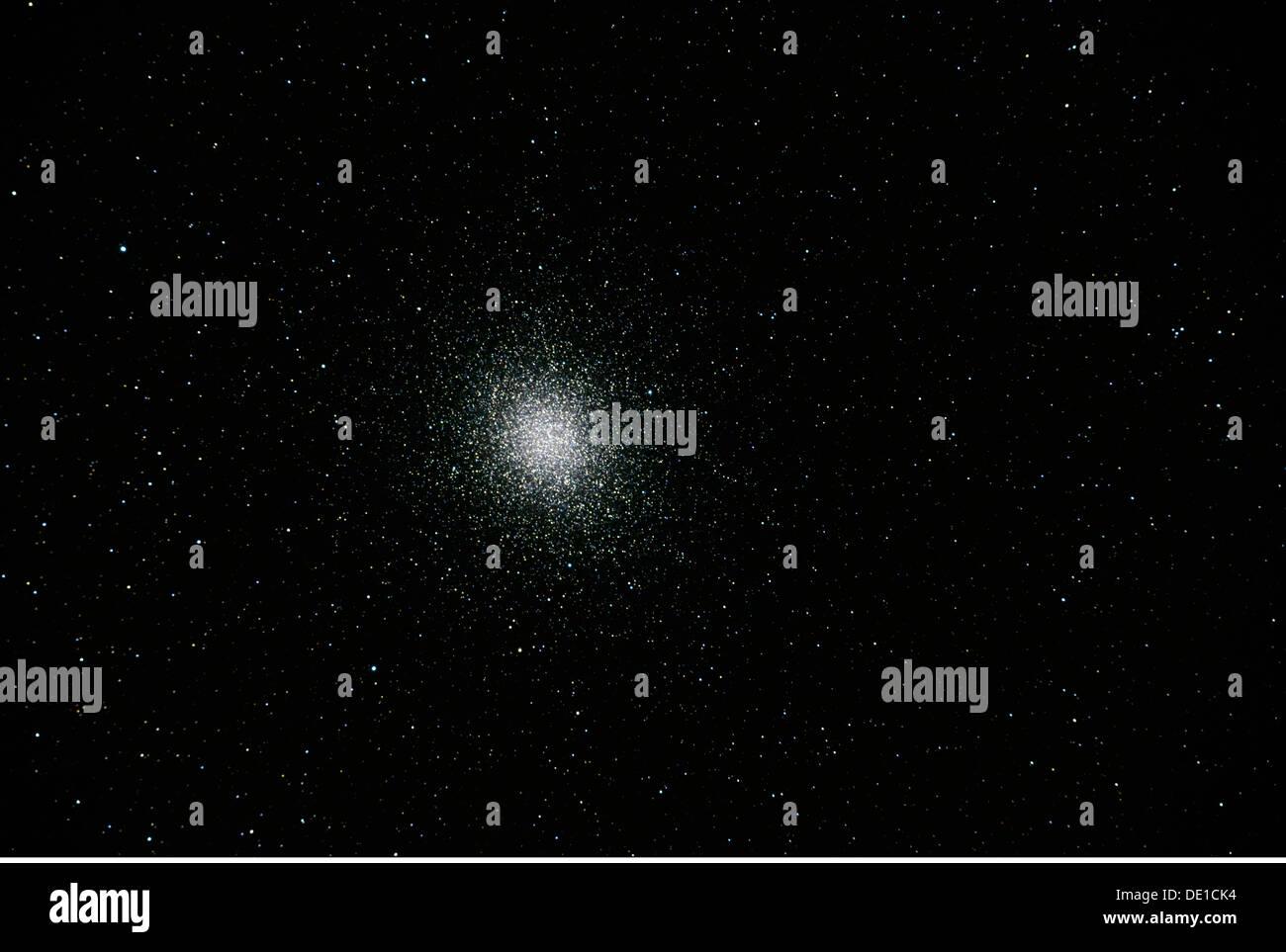 astronomy stars constellation Omega centauri above the Onjala Lodge Namibia globular cluster Centaur Centaurus starry - Stock Image