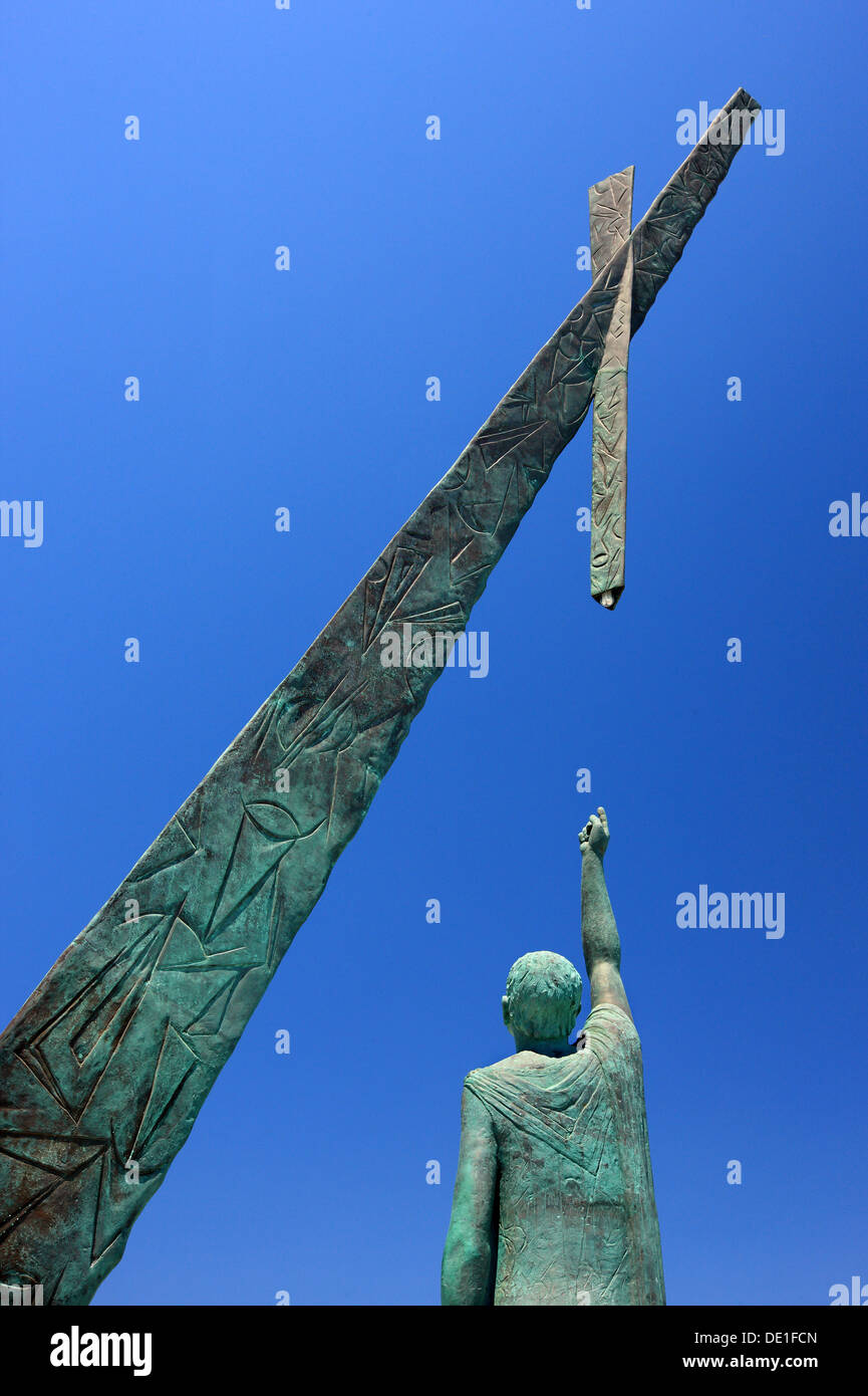 The statue of Pythagoras, famous ancient Greek philosopher and mathematician, in Pythagoreion town, Samos island, Greece. - Stock Image