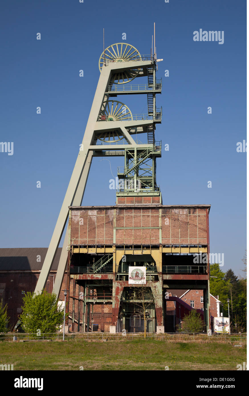 geography / travel, Germany, North Rhine-Westphalia, Ruhr area, Herten, mine Ewald, shut down hard coal mine, headframe, Additional-Rights-Clearance-Info-Not-Available - Stock Image