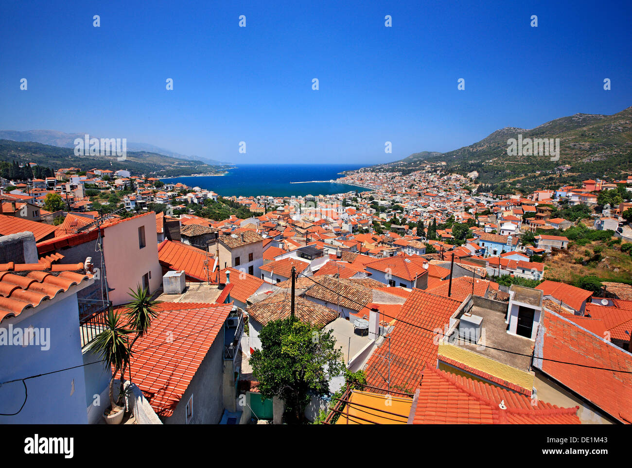 Panoramic view of Samos town ('Vathi'), Samos island, Aegean Sea, Greece. - Stock Image
