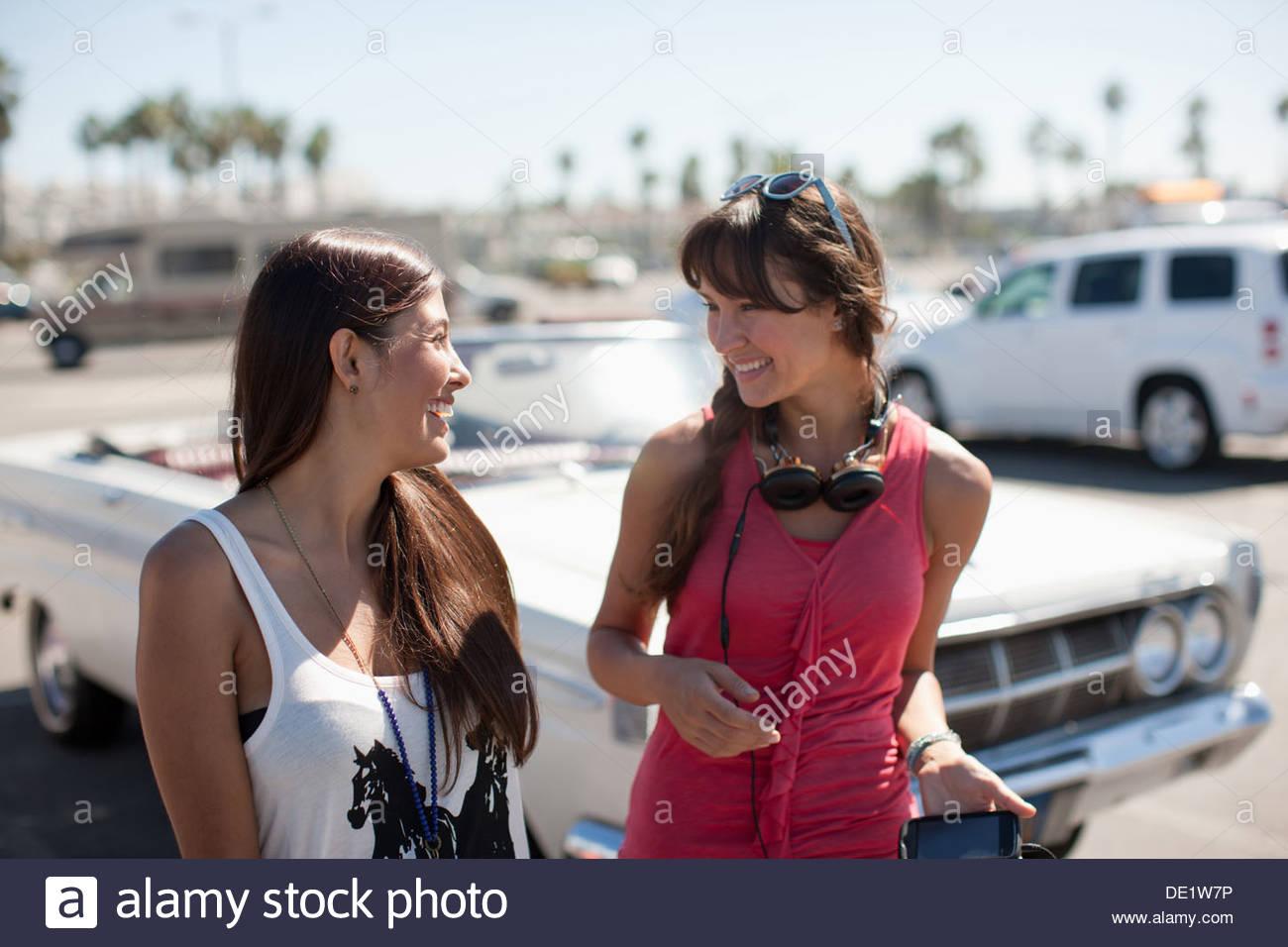 Two women talking - Stock Image
