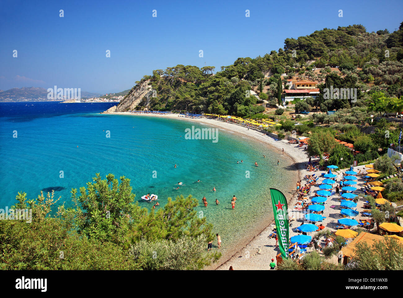 Tsamadou beach, one of the most popular beaches of  Samos island, Aegean sea, Greece. - Stock Image