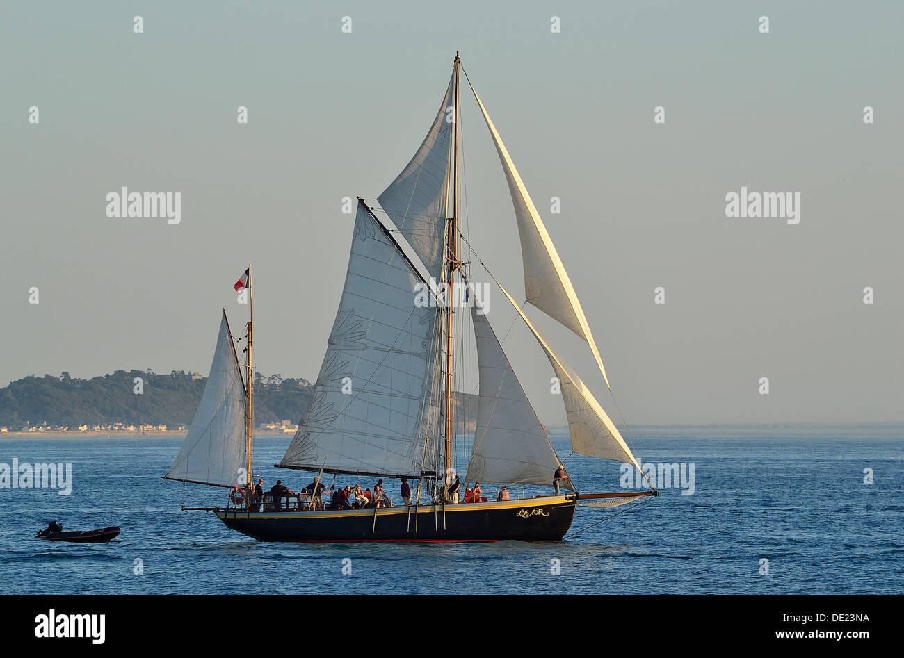 Lys noir (French classic yacht  Rig : yawl auric, 1914