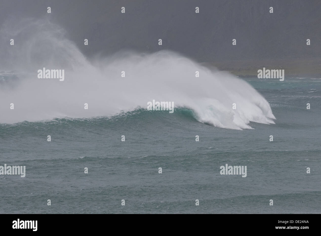 ocean, sea, breakers, surge, breakwater, waves, Brandung, starker Wellengang, Wellen, Welle, Gischt, Meer, Flut, Ozean - Stock Image