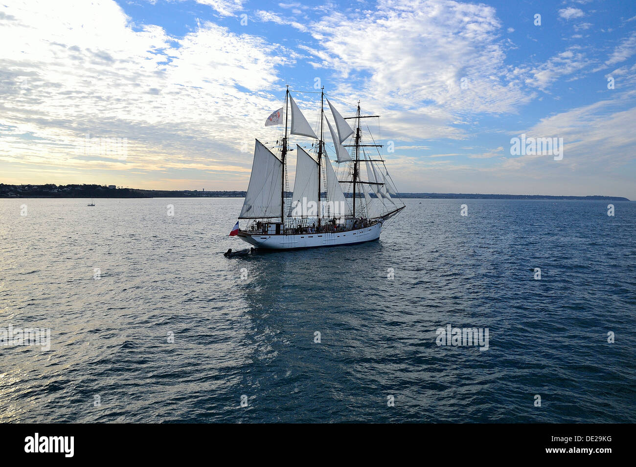 Marité (three-masted schooner, 1921, homeport : Granville), old fishing boat, leaving the fishing port of Granville (Normandy). Stock Photo