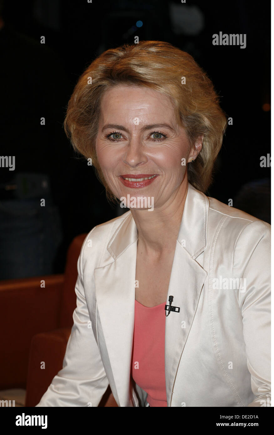 Leyen, Ursula von der, * 8.10.1958, German politician (Christian Democratic Union), portrait, guest in the telecast 'NDR Talk Show', Hamburg, Germany, 24.5.2013, Additional-Rights-Clearances-NA - Stock Image