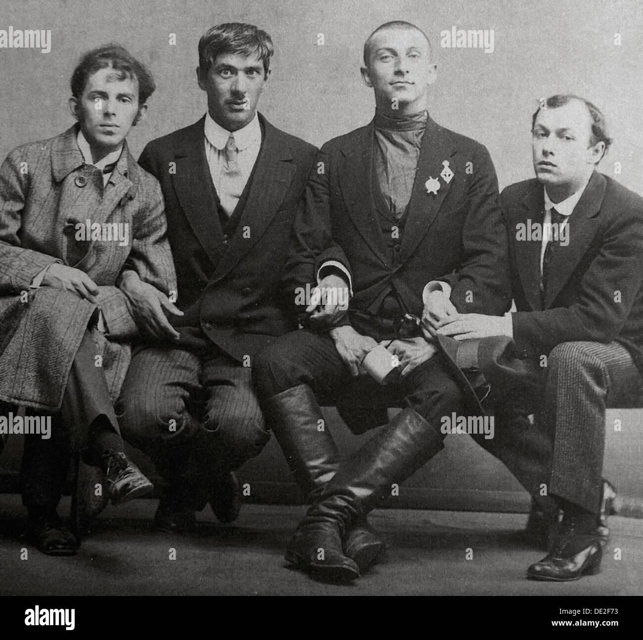Osip Mandelstam, Korney Chukovsky, Benedikt Livshits and Yury Annenkov, 1914. Artist: Karl Karlovich Bulla - Stock Image