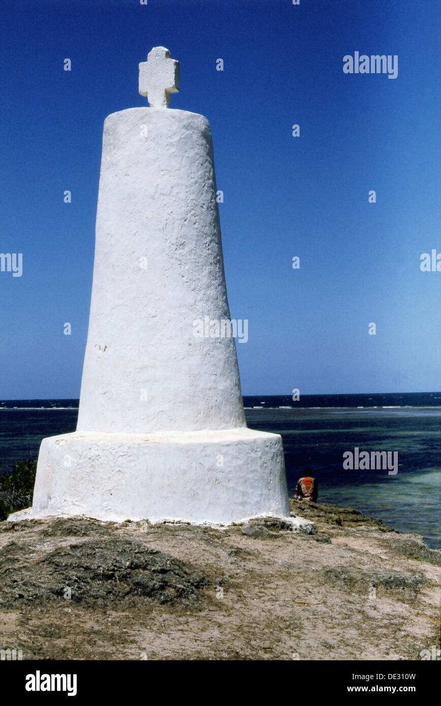 ce32ad786c The stone cross erected by Vasco da Gama at Malindi at the time of his  voyage