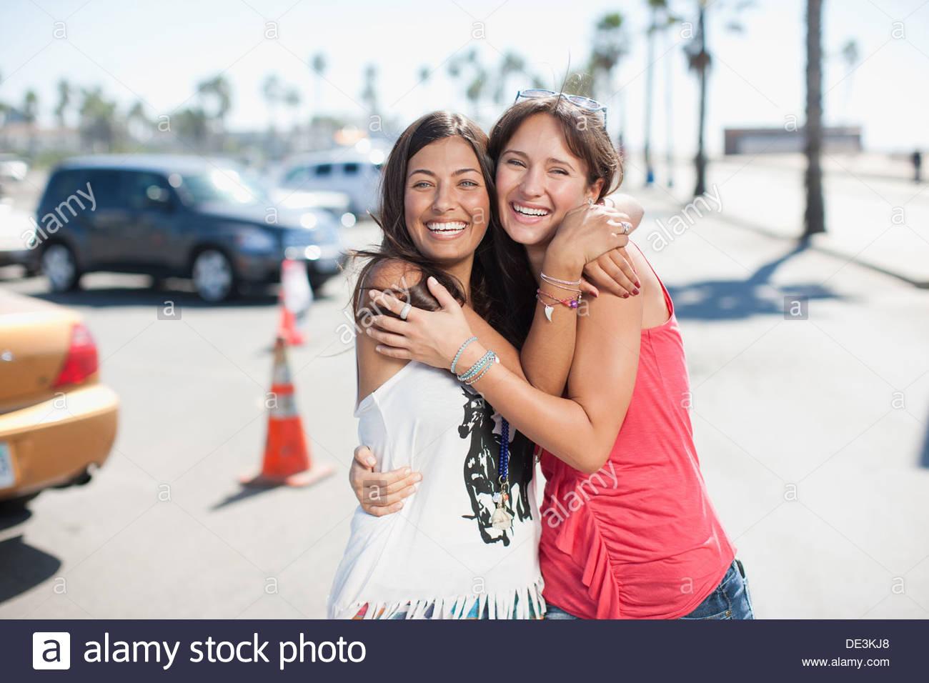 Two women hugging - Stock Image