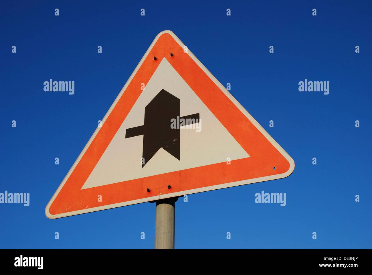 Grant right of way traffic sign - Stock Image