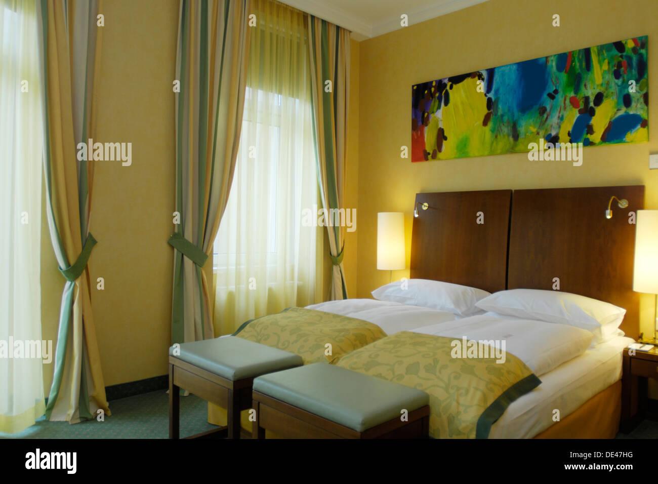 Österreich, Wien 6, Hotel Das Tyrol, Mariahilferstrasse 15, Zimmer - Stock Image