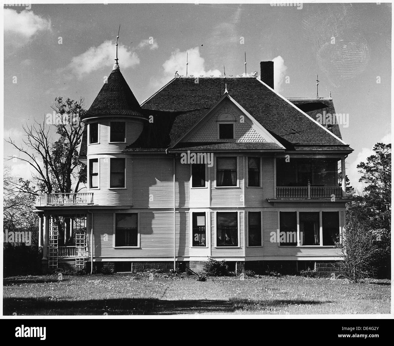 Shelby County, Iowa. The man who owns this place is a Norwegian who settled in the community when it . . . 522325 Stock Photo