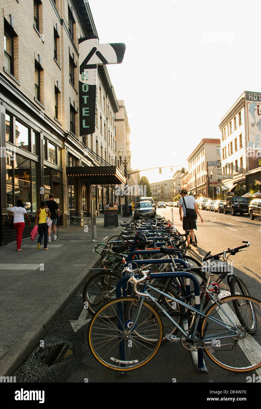 Looking west on Stark Street in Portland, Oregon at the Ace Hotel. - Stock Image
