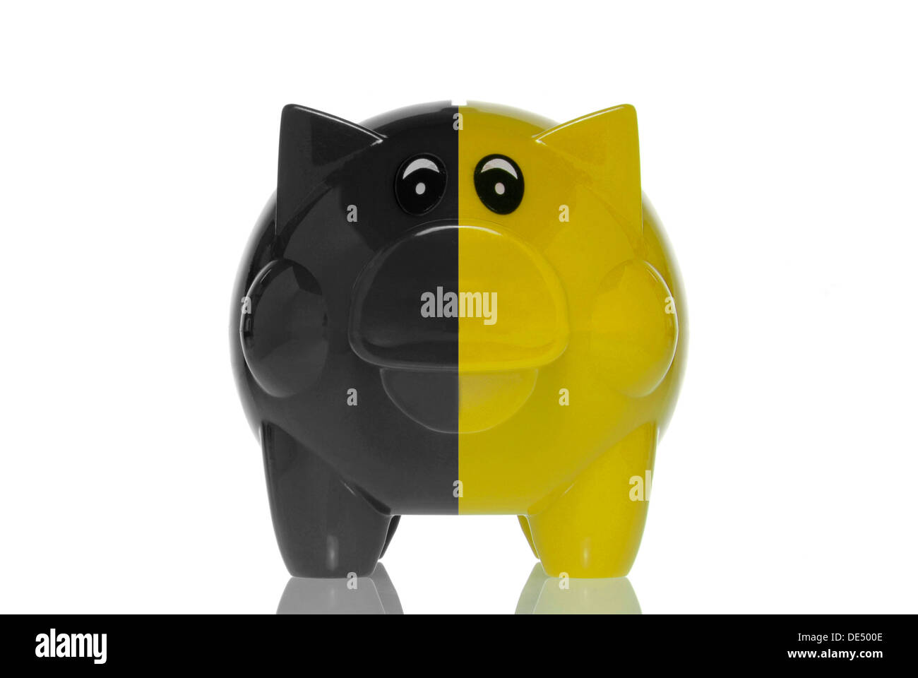 Black-yellow piggy bank, symbolic image for the black-yellow coalition, austerity - Stock Image