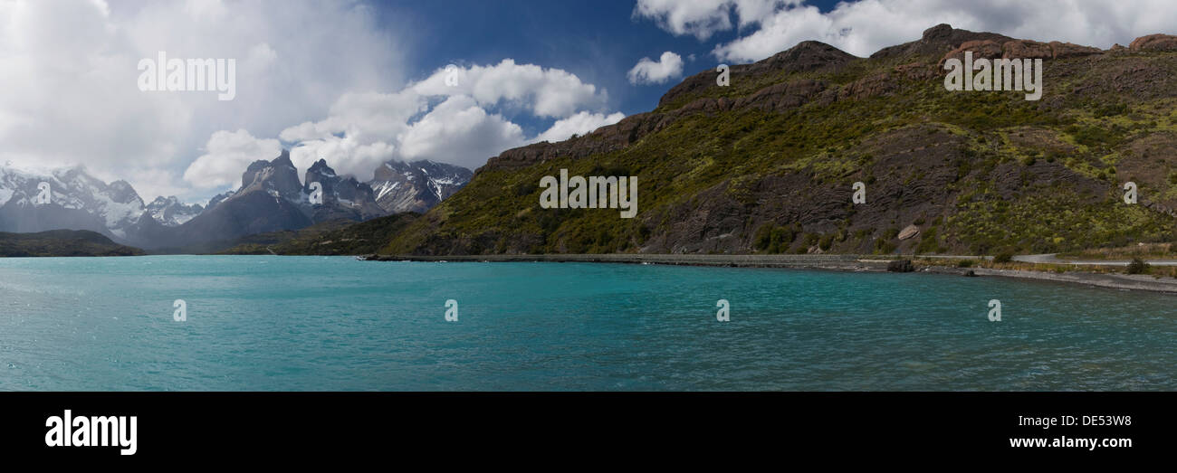 Panoramic view of Lago Nordenskjöld, Lake Nordenskjöld, in front of the mountains Cuernos del Paine in the Torres del Paine - Stock Image