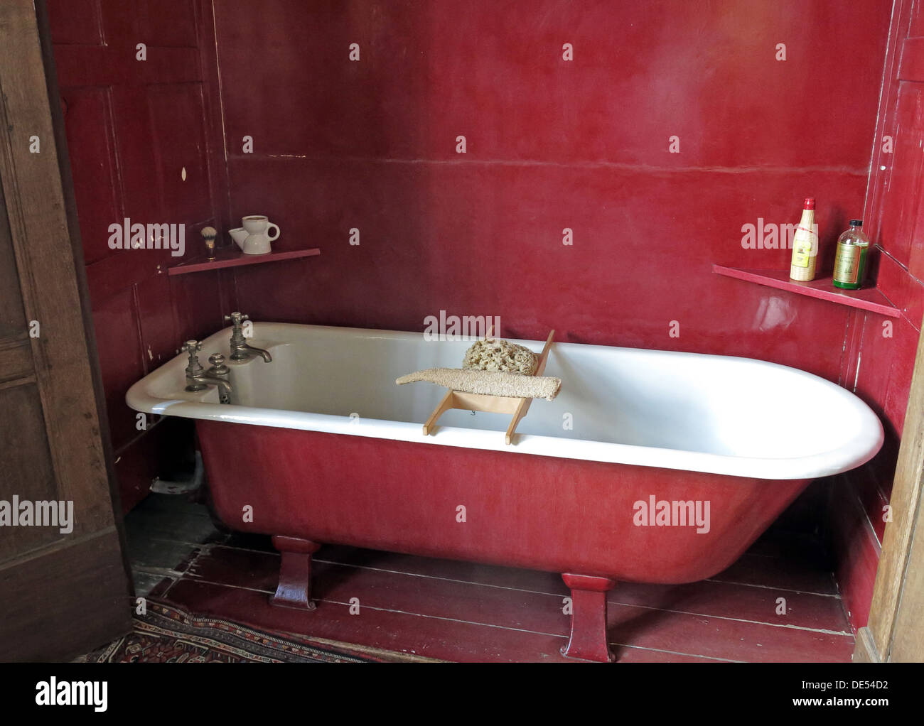 Victorian bathing at Montecute House, NT, South Somerset, England, UK Stock Photo
